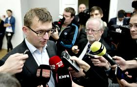 Troels Lund Poulsens flugt stækker oppositionen