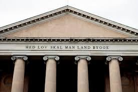 Hvem skal afgøre gældende ret i Danmark? En kommentar til Bøfhus-sagen.