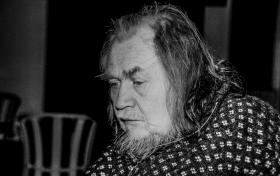 Overleveren Christian Bonde – gal mand klædte institutionssamfundet af